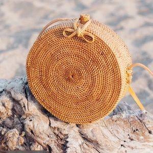 Circle rattan bag